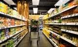 Belanja cermat. Dengan membeli dan menggunakan apa yang sudah dibeli, pemborosan bisa dihindari dan limbah makanan juga lebih sedikit.