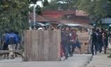 Bentrok ormas terjadi di perbatasan Sukabumi-Cianjur. Foto: Bentrokan ormas (ilustrasi)