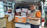 BMH Perwakilan Jawa Barat menyalurkan bantuan untuk warga Kecamatan Antapani, Bandung, yang terdampak virus Covid-19 atau Corona.