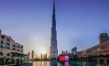 Burj Khalifa di Dubai, gedung tertinggi di dunia menampilkan pesan solidaritas dukungan untuk kebakaran hutan Australia.