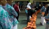 Calon haji di Embarkasi Makassar