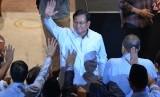 Calon presiden nomor urut 02 Prabowo Subianto (tengah).
