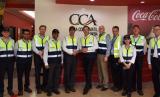 Coca-Cola Amatil Indonesia (CCAI) menyambut kunjungan pejabat Australia ke pabrik terbesar CCAI di Cibitung, Bekasi.