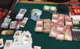 Dari penangkapan perjudian Senin (12/3) polisi menyita sejumlah barang bukti, diantaranya uang.