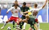 Denmark bermain imbang 1-1 dengan Australia pada pertandingan grup C Piala Dunia 2018 di Samara Arena, Kamis (21/6).