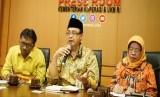 Deputi Bidang Kelembagaan Kementerian Koperasi dan UKM Prof Rulli Indrawan berbicara kepada media