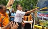 Direktur Jenderal Hortikultura, Suwandi saat launching perdana ekspor nanas dan pisang Mas di Pulau Kundur, Kabupaten Karimun, Sabtu (20/10)