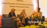 Dirut BTPN Syariah, Ratih Rachmawaty menyampaikan materi dalam talkshow 'Inklusi Keuangan dan Pemberdayaan Perempuan melalui Pembiayaan Syariah' yang divelar BTPN Syariah bersama Republika di RM Rodjo, Semarang, Jawa Tengah, Rabu (15/11).