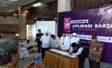 """Dompet Dhuafa meluaskan sebaran manfaatnya dengan menggandeng kemitraan dan menghadirkan aplikasi Barzah di platform ponsel pintar, launching aplikasi berlokasi di Masjid At Tin, Jakarta Timur, Jumat (24/1).  """""""