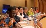 Dr Rahmawati Husein, wakil ketua Lembaga Penanggulangan Bencana PP Muhammadiyah atau Muhammadiyah Disaster Management Center (MDMC) diundang menjadi pembicara dalam Panel Tingkat Tinggi Perserikatan Bangsa-Bangsa (PBB) untuk urusan kemanusiaan.