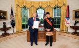 M Lutfi Serahkan Surat Kepercayaan kepada Donald Trump