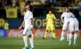 Ekspresi kekecewaan bek Real Madrid, Marcelo (kiri), saat melawan Villarreal.