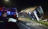 Bbus pariwisata yang mengalami kecelakaan (ilustrasi)