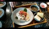 Hidangan Lebaran. Opor, rendang, dan gulai bisa dibuat menjadi lebih menyehatkan dengan tidak memakai santan dalam memasaknya.