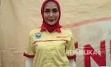 Fenita Arie yang tampil dengan gaya berbusana baru menggunakan hijab.