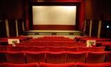 Bioskop. Meski Inggris mengizinkan bioskop kembali beroperasi mulai 4 Juli, sebagian bioskop independen memilih untuk kembali buka pada September.