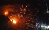 Foto dari Xinhua menunjukkan ledakan di pabrik pestisida di Chenjiagang Industrial Park, Kota Yancheng, Jiangsu, Cina, Kamis (21/3). Ledakan menewaskan 47 orang dan lebih dari 600 orang terluka.