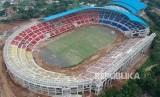 Foto udara suasana kompleks Stadion Jatidiri yang dibangun di Karangrejo, Semarang, Jawa Tengah. Polisi menangkap pelaku pencurian material proyek pembangunan Stadion Jatidiri.