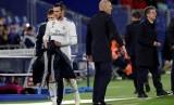 Gareth Bale (kiri) dan Pelatih Real Madrid Zinedine Zidane (kanan).