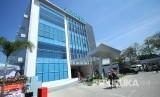 Gedung Elcorps Building, di kawasan Cigondewah, Kota Bandung, Kamis (18/7).