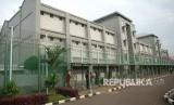 Gedung LP Cipinang/Rutan Cipinang. Sebanyak 343 warga binaan di Rumah Tahanan (Rutan) Cipinang, Jakarta Timur, dipulangkan terkait pencegahan wabah Covid-19.