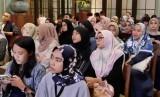 Generasi muda dengan pilihan gaya busana muslim (ilustrasi)