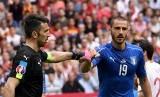 Gianluigi Buffon (kiri) dan Leonardo Bonucci.