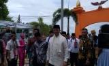 Gubernur DKI Jakarta Anies Rasyid Baswedan tiba di Pulau Pramuka untuk menghadiri Musrembang Kepulauan Seribu, Jumat (22/3).