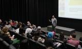 Gubernur Jabar Ridwan Kamil sebagai dosen tamu, memberikan kuliah umum di depan sekitar 500 mahasiswa Monash University di Kampus Monash University, Melbourne, Australia, Senin (24/2). Foto: Rachmat Santosa Basarah/Republika
