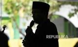Gubernur NTB TGH Muhammad Zainul atau Tuan Guru Bajang (TGB) dalam Tabligh Akbar dan Zikir Bersama untuk Negeri di Ponpes Al Muchtar, Bekasi Utara, Jabar, Rabu (14/3).