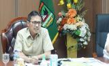 Gubernur Sumbar Irwan Prayitno ketika rapat online membahas evaluasi PSBB dan persiapan new normal bersama bupati dan wali kota se-Sumbar, Selasa (26/5).