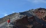 Gunung Rinjani salah satu objek wisata di Lombok, NTB.