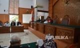 Sidang praperadilan dengan tersangka pemberian keterangan palsu dalam sidang KTP elektronik Miryam S Haryani
