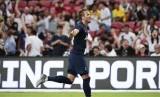 Harry Kane merayakan gol ke gawang Juventus.