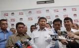 Direktur Komunikasi dan Media Badan Pemenangan Nasional (BPN) Prabowo-Sandi, Hashim Sujono Djojohadikusumo (tengah)