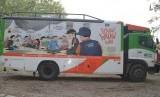 Humanity Food Truck ACT sebagai salah satu armada yang mendukung program pendistribusian Lumbung Beras Wakaf melalui layanan makanan gratis.