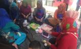 Ibu-ibu PKK Kelurahan Ancol mengikuti Program Kebun Pangan Lestari.
