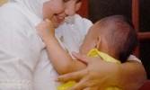 Ibu menyusui (ilustrasi)