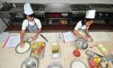 Tanggal 25 Januari diusulkan menjadi Hari Chef Nasional. Foto chef cilik sedang beraksi. (ilustrasi)