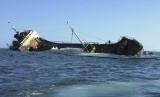 Kapal tol laut Shippo 16 tenggelam di Pelabuhan Lewoleba akibat ditabrak KM Maju 8. Ilustrasi.