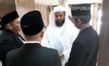 Imam Masjid al-Haram, Syekh Dr Hasan bin Abdul Hamid Bukhari (Berbaju putih)