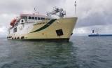 irektorat Jenderal Perhubungan Laut melalui Direktorat Lalu Lintas dan Angkutan Laut menyerahkan tiga unit Kapal perintis pendukung tol laut.