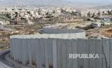 Israel bangun tembok pembatas