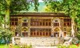 Istana Musim Panas, Shaki.