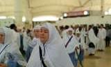 Jamaah dari Maroko dan Tasjikistan mulai tiba di Bandara King Abdulaziz, Jeddah, Senin (6/8). Menjelang puncak haji, jamaah berbagai negara kian ramai datang melalui bandara tersebut.