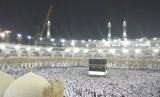 Jamaah haji memadati area Ka'bah
