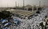 Saudi Adopsi Teknologi Pintar untuk Kemudahaan Haji-Umrah. FOto: Jamaah haji sedang di Padang Arafat