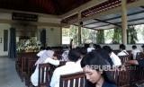 Jenazah mendiang pendiri Matahari Group, Hari Darmawan dikremasi di Krematorium Kertha Semadi, Mumbul, Nusa Dua, Bali, Rabu (14/3).
