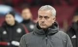 Pelatih baru Tottenham Hotspur Jose Mourinho.