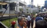 Kantor bank BRI cabang Garut di jalan Ahmad Yani mendapat ancaman bom, Rabu (14/2).